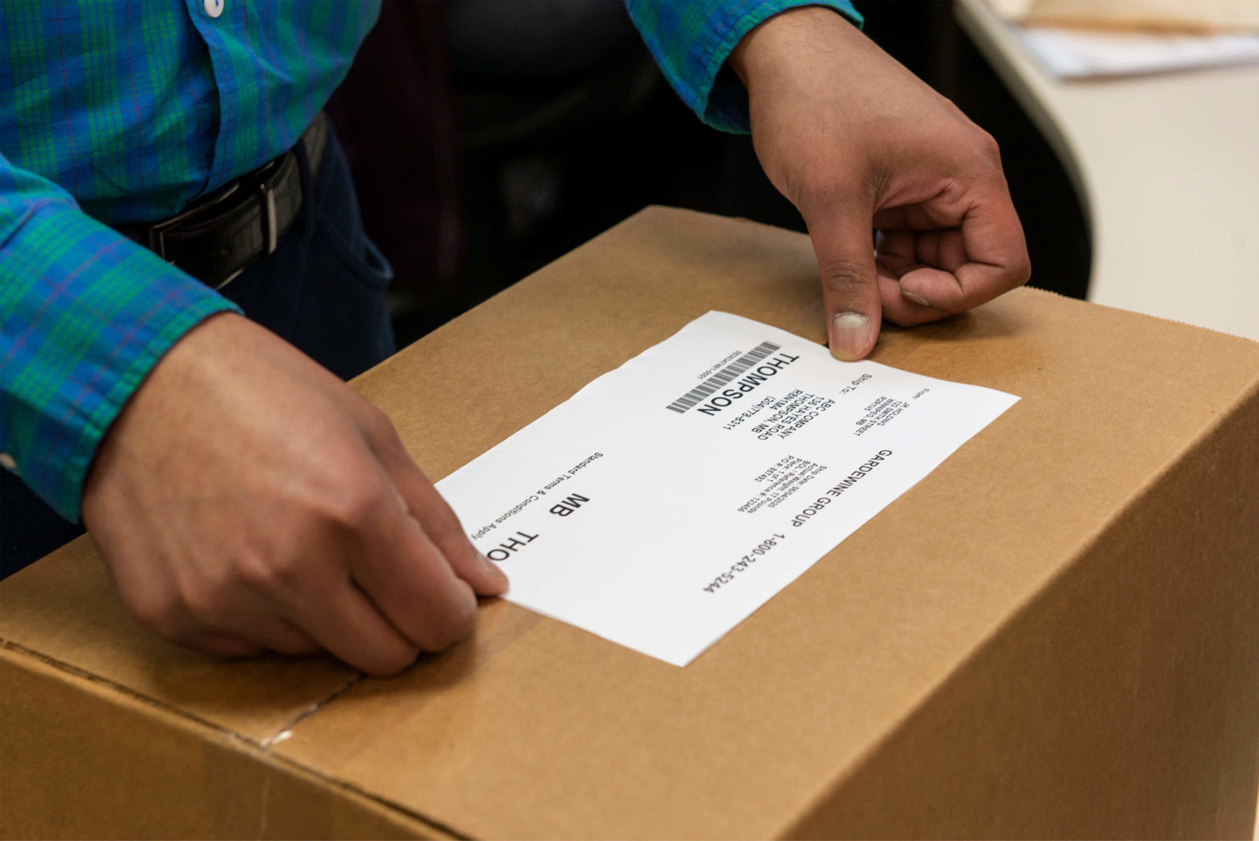 Shipping Label System for Real Time Tracking